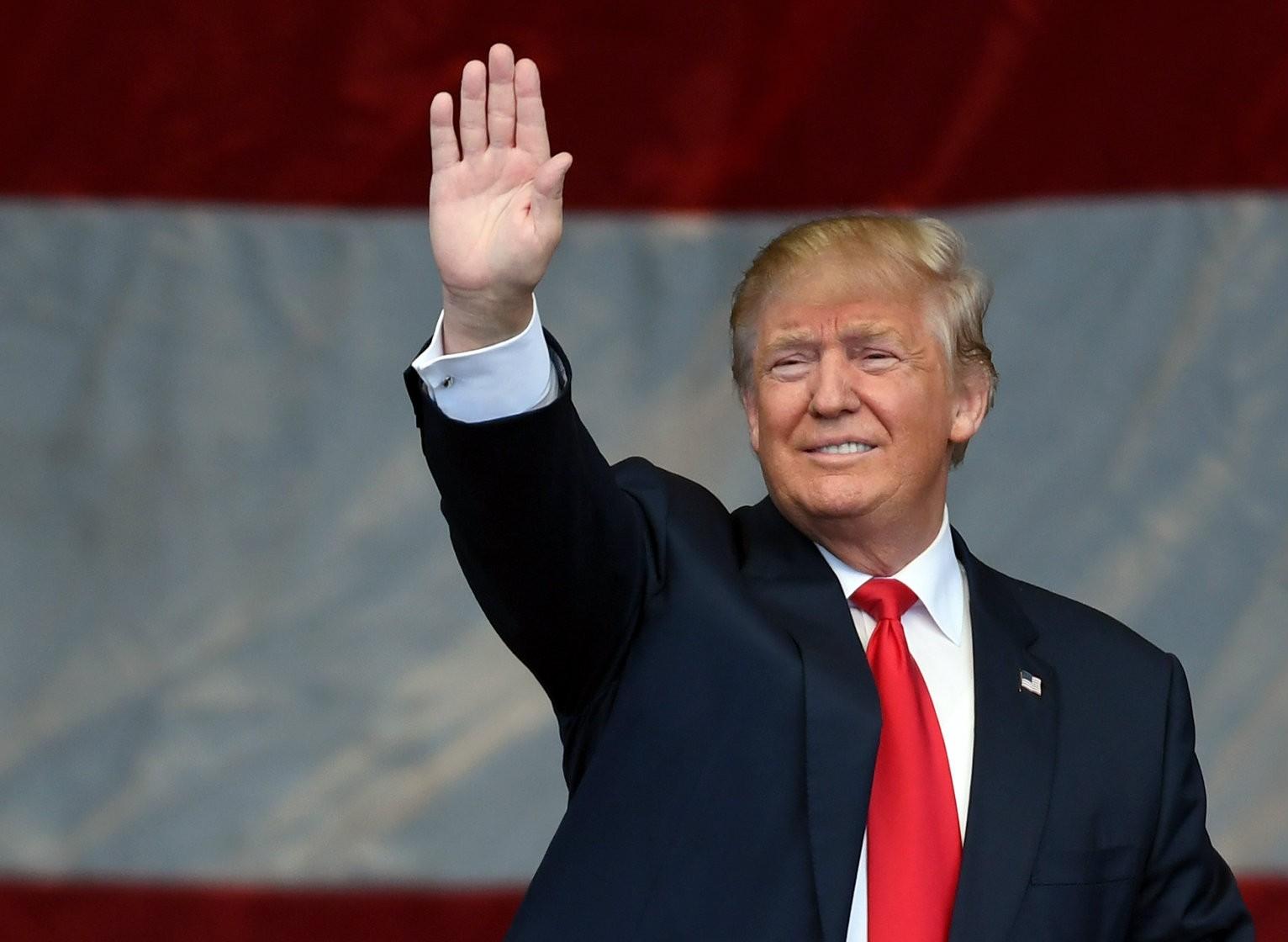 Trump Impe...
